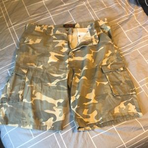 Other - Camo cargo shorts men